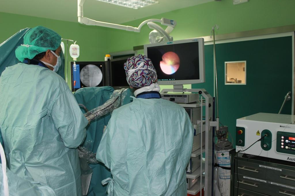 ¿Quitan la próstata en la cirugía de hombre a mujer?
